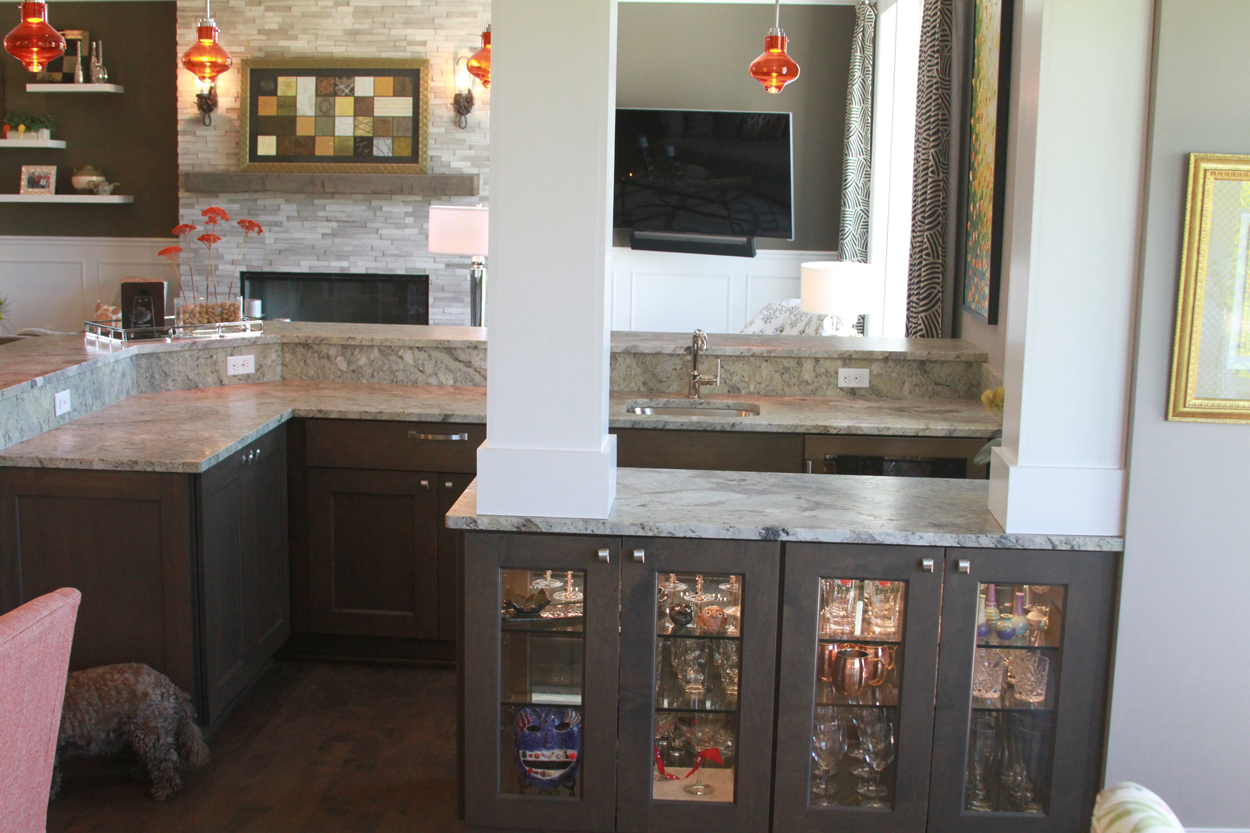 Great Room U2013 Bar With Columns And Glass Display Cabinets And Raised  Countertops U2013 Anthony Thomas Builders