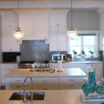 Kitchen with 2 islands and crown molding - Anthony Thomas Builders